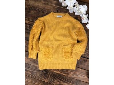 Теплый свитер с кармашками,рукав объемная петелька(горчичный)