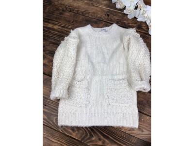 Теплый свитер с кармашками,рукав объемная петелька(молочный)